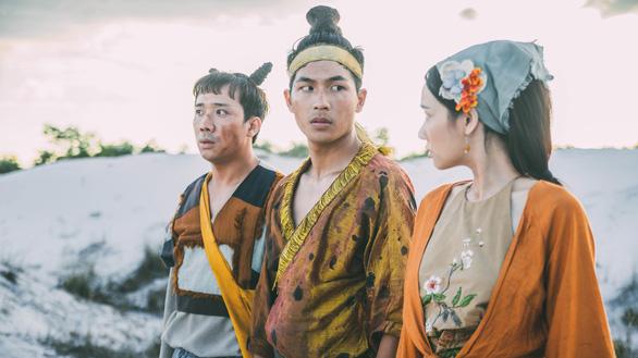 Trấn Thành khoe bạo trong trailer Trạng Quỳnh - Ảnh 9.