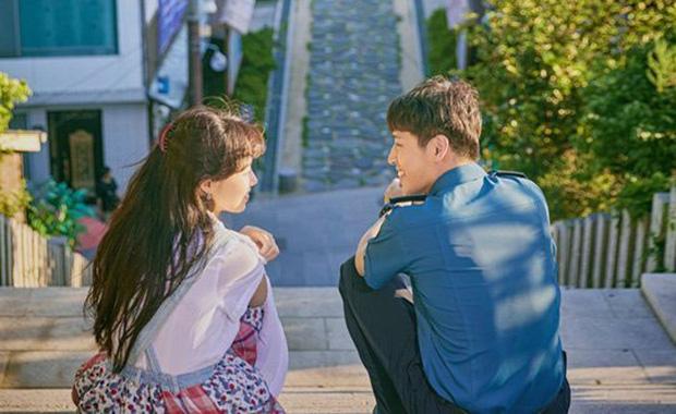 """Báo Hàn chọn 10 phim Hàn hay nhất thập kỉ: Đài cáp tvN """"thầu"""" gần nửa bảng, phim nào cũng thuộc diện nhất định phải xem - Ảnh 22."""