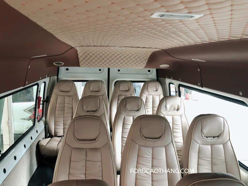 Đánh giá xe ford transit 2020 về ngoại thất, có tất cả bao nhiêu màu